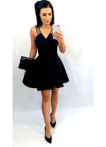 Sukienka z wycięcie na dekolcie i szelkami