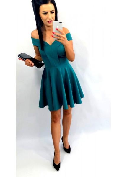 Sukiena rozkloszowana z odkrytymi ramionami
