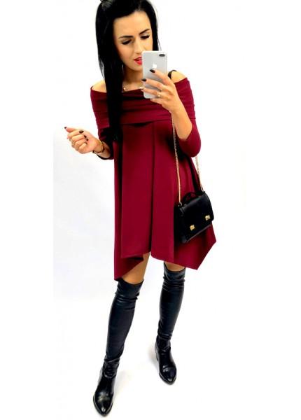 Asymetryczna sukienka z odkrytymi ramonami