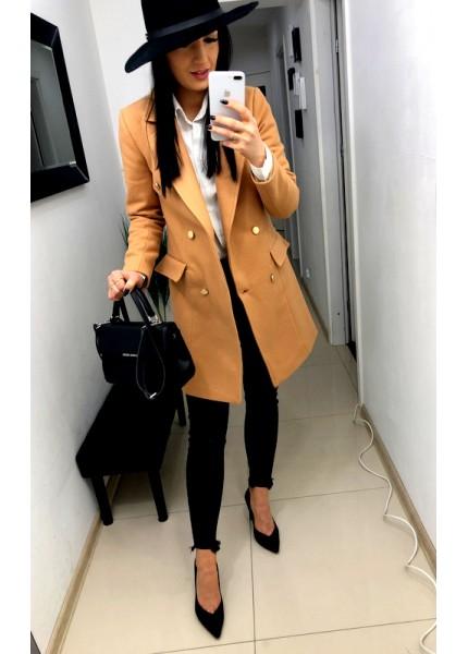 Ocieplany płaszcz ze złotymi guzikami