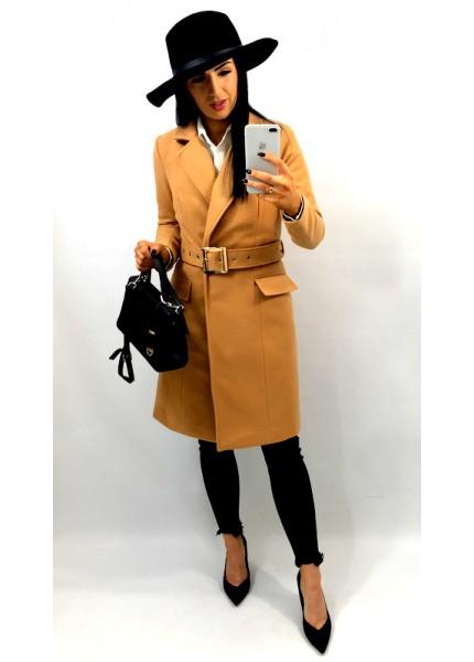 Wiosenny płaszcz z pasem i klamrą